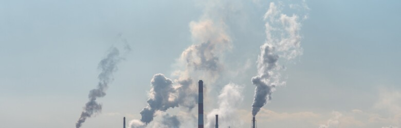 pollution/ss1285069813-pollution-refinery-emissions-pollution.jpg