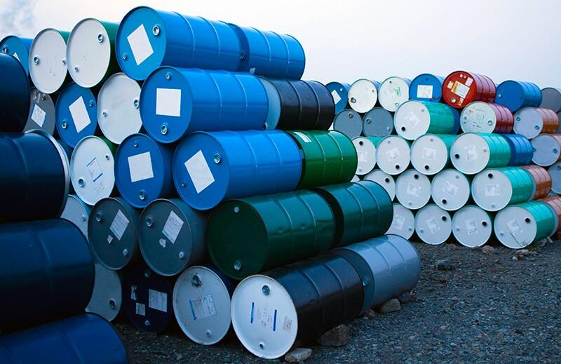 rf51174382-oil-barrels