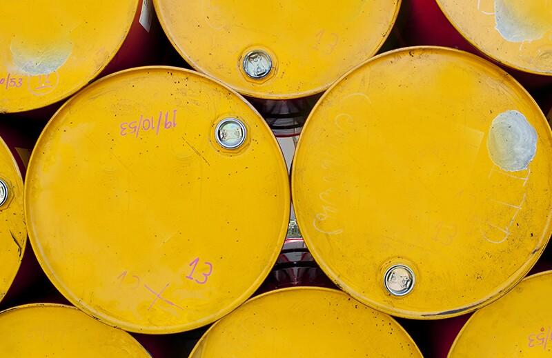 oil/ss64278376-oil-yellow_barrels.jpg