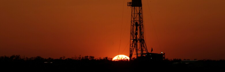 WEO ONLY -- US Shale Oil's Midlife Crisis