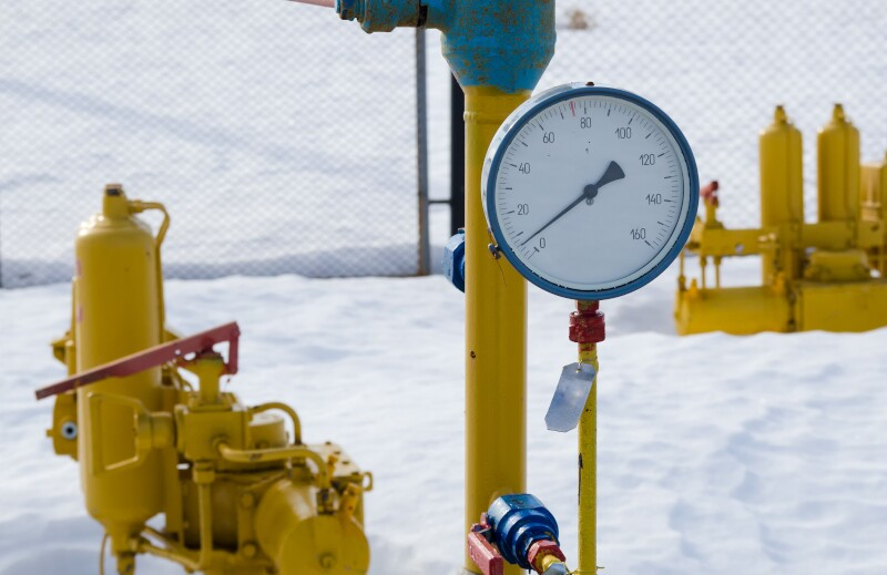 Pressure,Gauge,And,Fittings,On,The,Pipeline