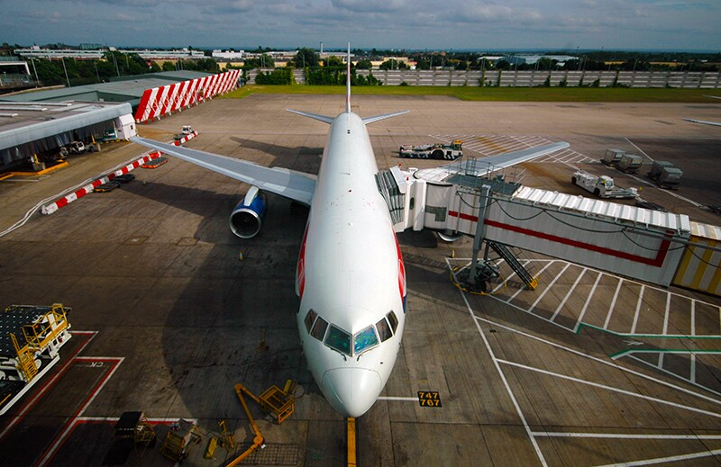 Transportation, Commercial Airplanes 9826612-commercial-airplanes-b