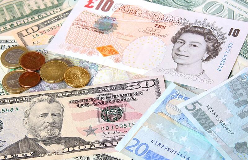 finance-trading/rf4716327-currencies.jpg