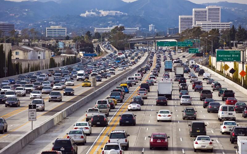 transportation/ss_46893931-transportation-cars-traffic.jpg
