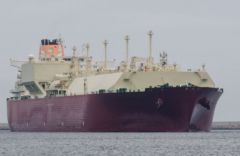 Gas,Carrier,-,Portrait,Of,A,Big,Ship,To,Transport