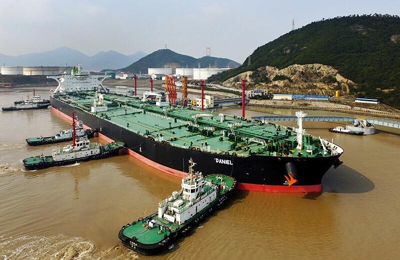 AP_18187133482296-tankers-china