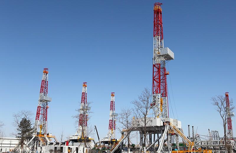 drilling/ss96727216-drilling.jpg