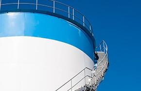 Oil Storage 25648910-oil-storage